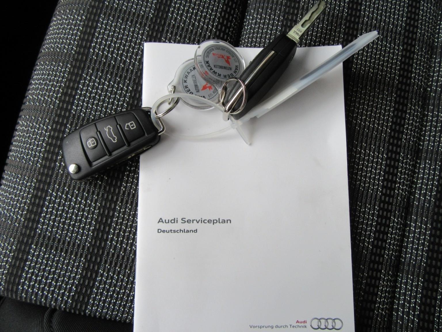 Audi-Q3-25