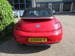 Volkswagen-Beetle-7