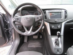 Opel-Zafira-2