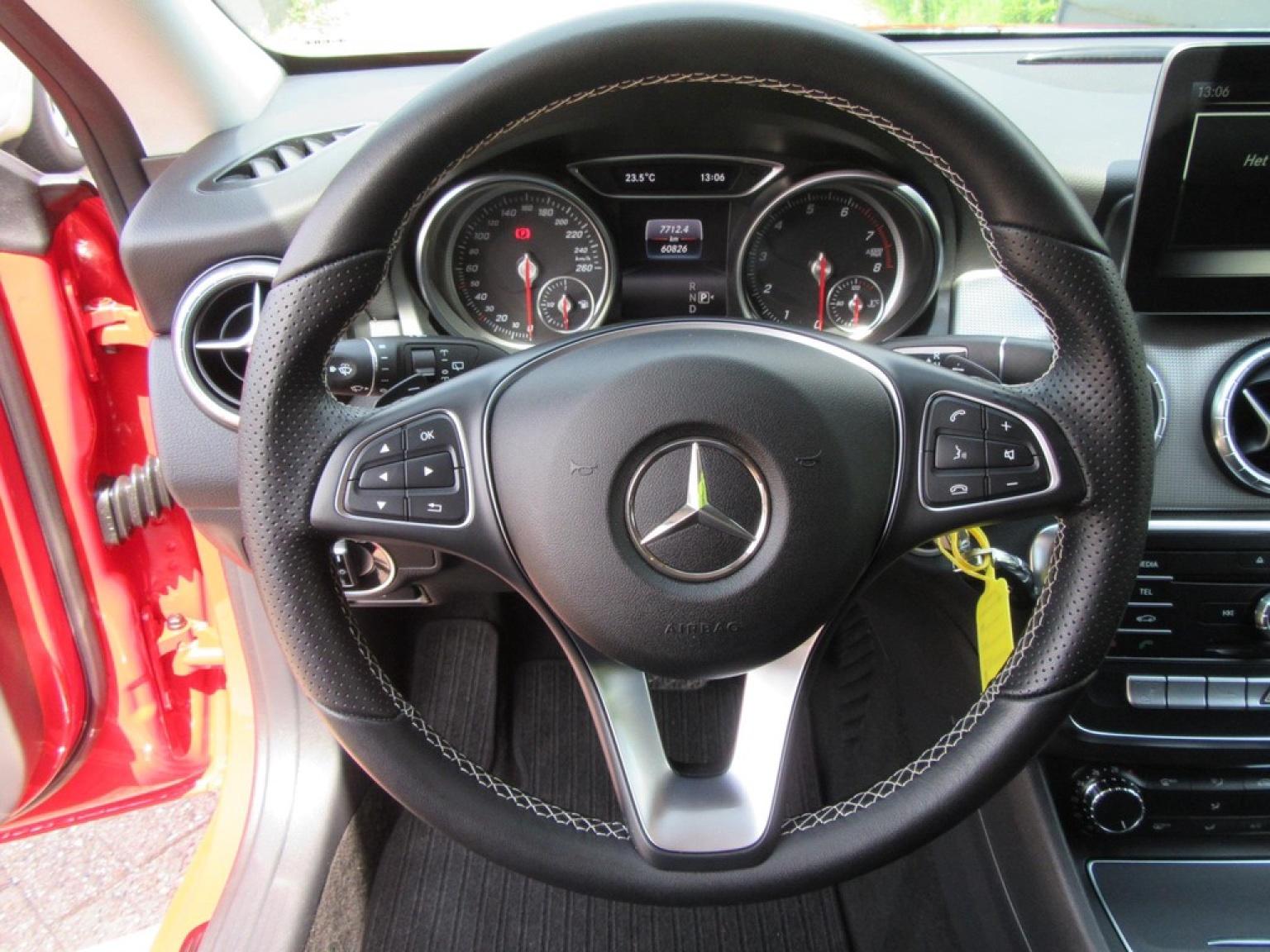 Mercedes-Benz-CLA-Klasse-16