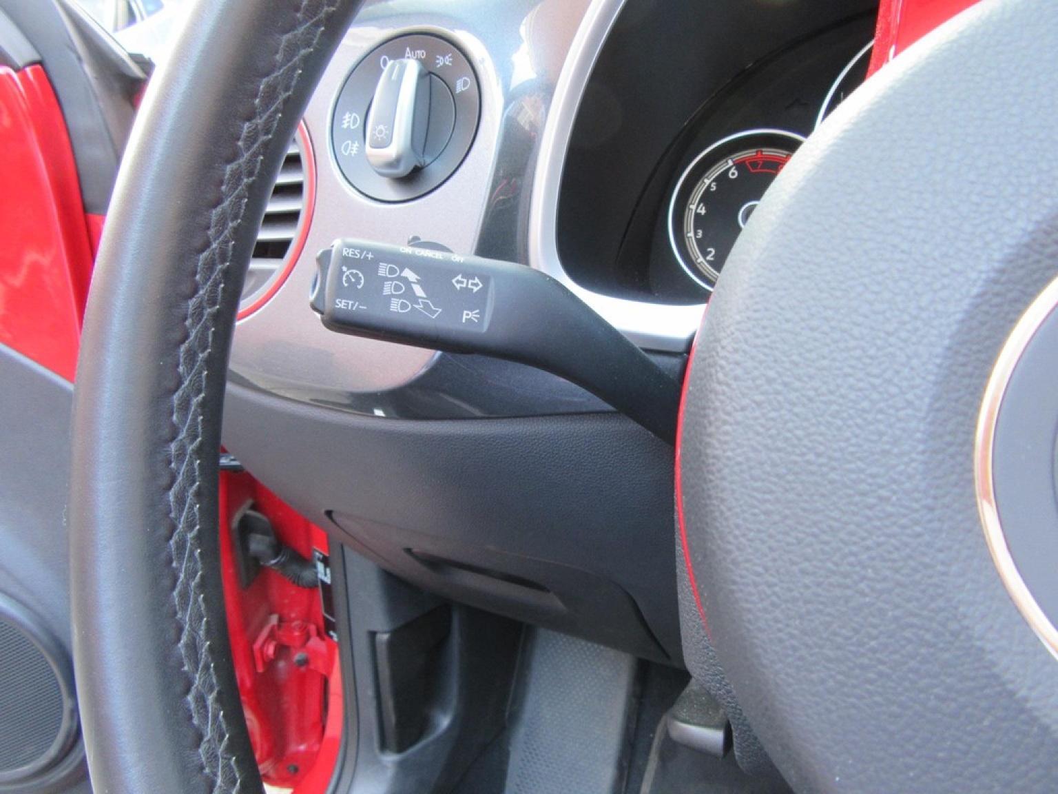 Volkswagen-Beetle-18