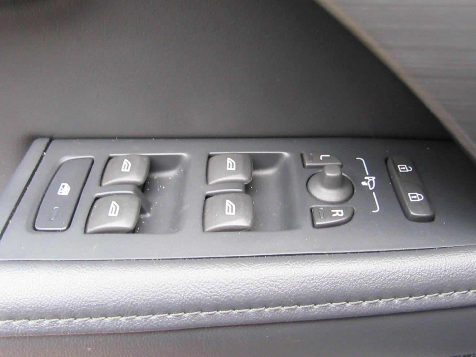 Volvo-S80-11