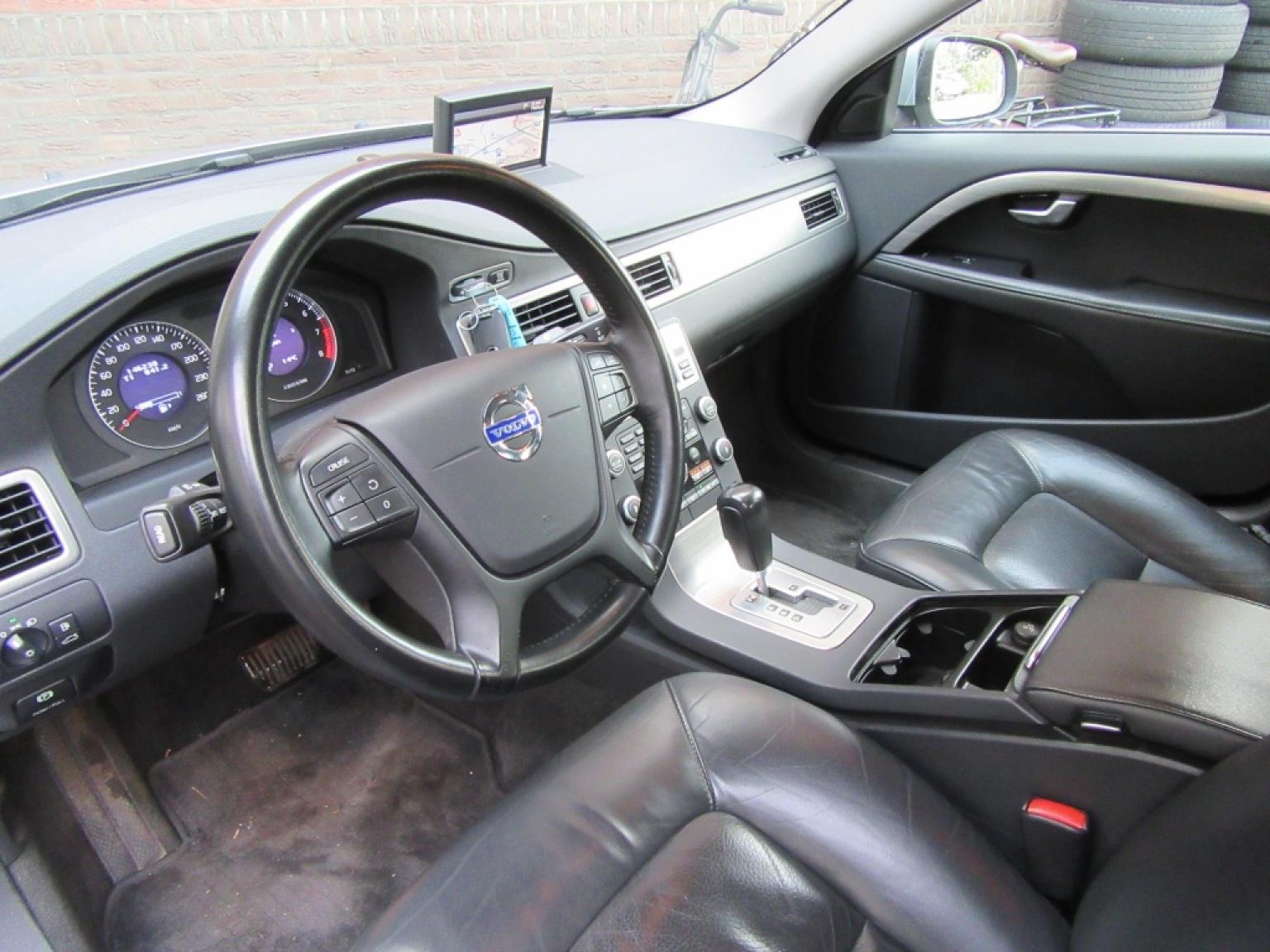 Volvo-S80-3