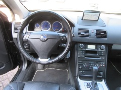 Volvo-XC90-2