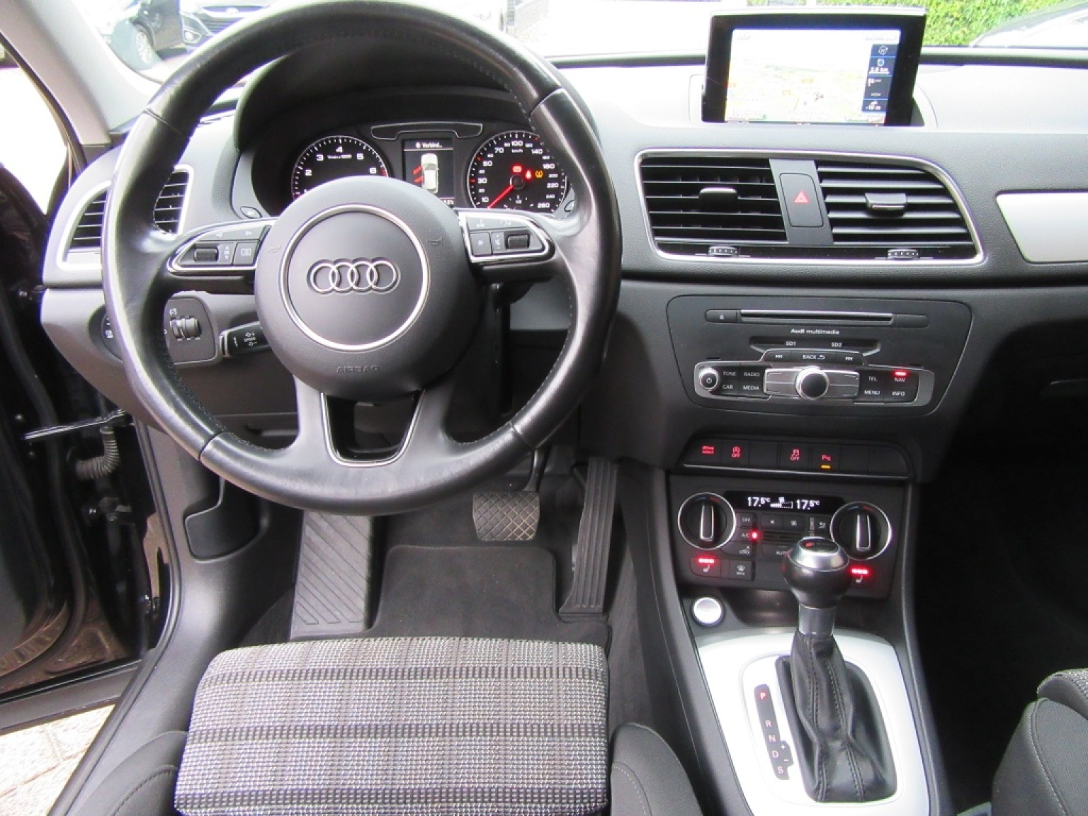 Audi-Q3-2
