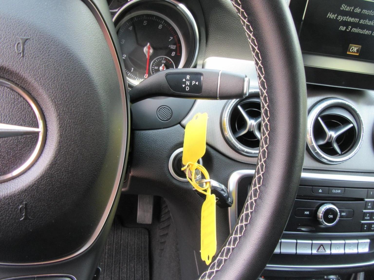 Mercedes-Benz-CLA-Klasse-17