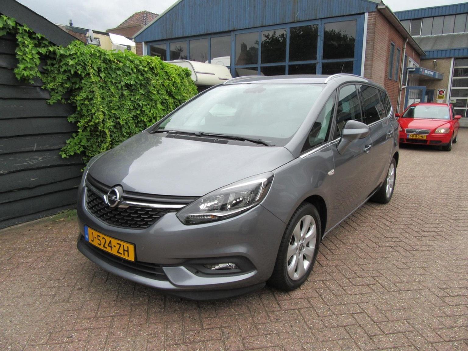 Opel-Zafira-20