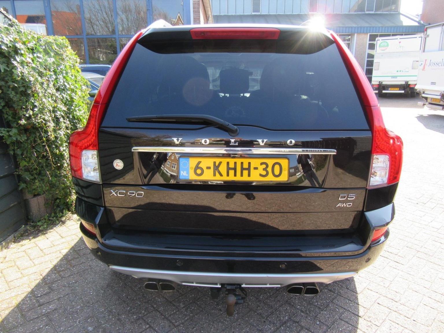 Volvo-XC90-4