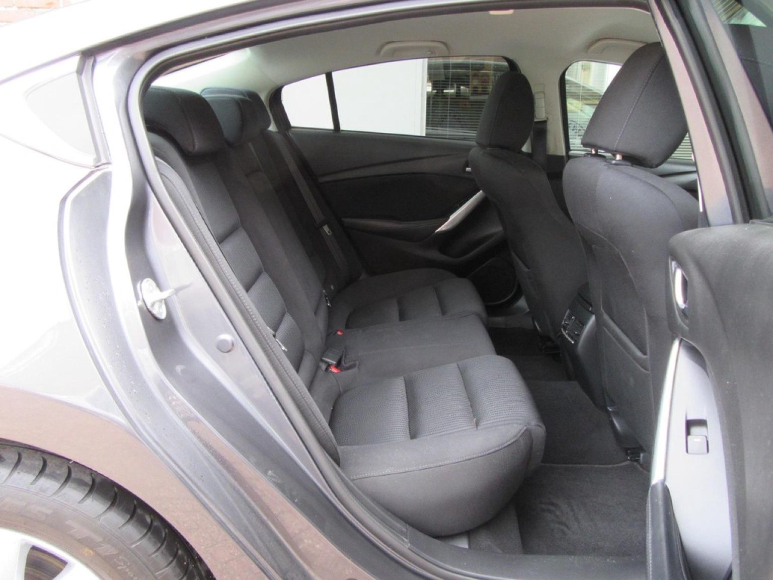 Mazda-6-19