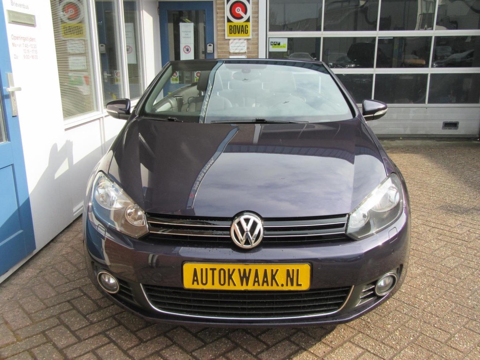 Volkswagen-Golf-24