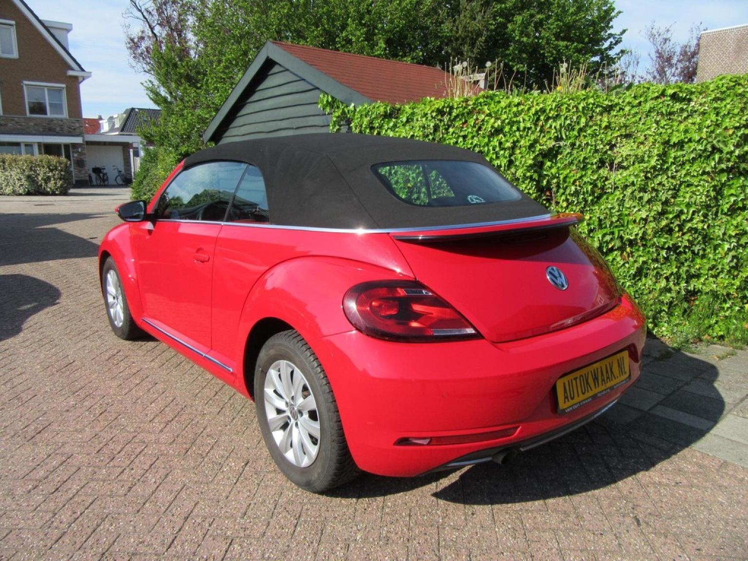 Volkswagen-Beetle-36